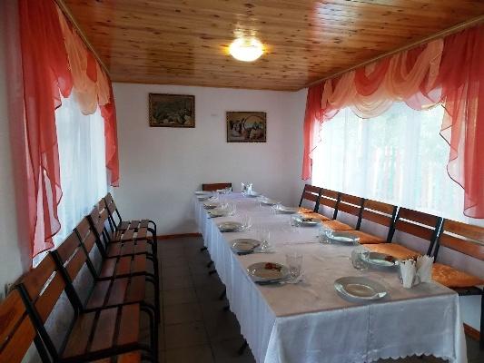 """Кафе азербайджанской кухни под Житомиром """"Пикник"""": варенье из помидор и баклажанов, мясо с нутом, которое сутки томится на мангале, божественный люля-кебаб…"""