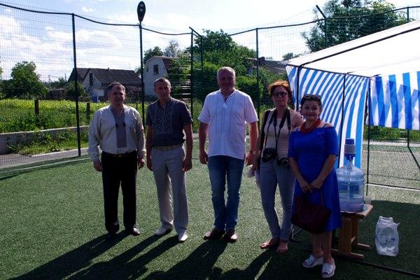 Віктор Развадовський привітав жителів і гостей Зарічан з дебютним Днем села