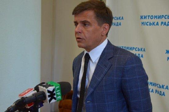 """ПАТ """"Укзалізниця"""" погрожує Сергію Сухомлину скасувати приміські потяги"""