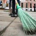 Мешканку Новоград-Волинського змусили додатково працювати, щоб виплатити борг для рідної дитини