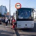 Учитель остановил автобус с детьми, водитель которого умер во время движения...
