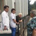 З'явилися фото жінки, яка в Житомирі втратила тяму в черзі за субсидіями. ФОТО