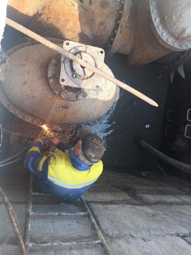 """Працівники КП """"Житомирводоканал"""" вже почали замінювати засувки. ФОТО"""