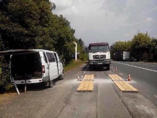 В області водіїв вантажівок за перевищення вагових параметрів оштрафували на більше 20 тис. євро