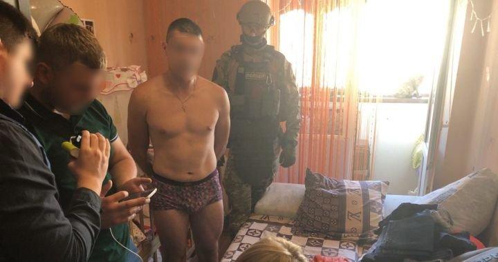 На Житомирщині затримали педофіла, який робив порно з власною донькою