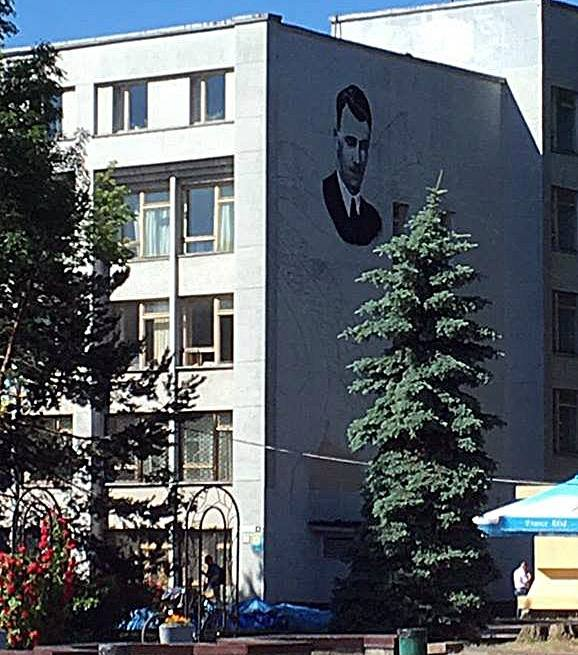 У Житомирі відбудеться відкриття муралу Ольжича та показ фільму про діяча
