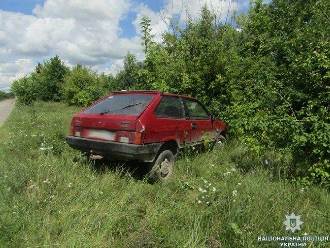 У Любарському районі нетверезий чоловік вкрав автомобіль, а потім у ньому заснув. ФОТО