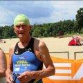 Мер Житомира вручив відзнаку 85-річному плавцеві