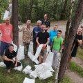 На Житомирщині рибалки перекваліфікувалися в прибиральників засміченої «Коси»