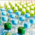 В Житомирі торгують напоями у пластикових пляшках на прямих сонячних променях