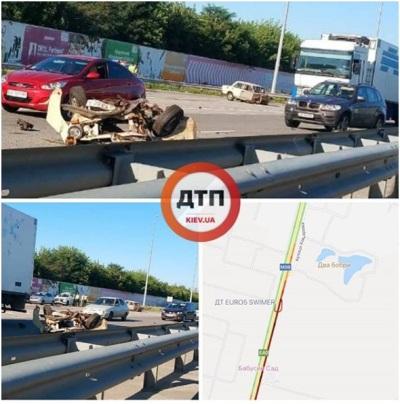 На Житомирской трассе под Киевом произошло масштабное ДТП. Есть пострадавшие