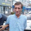 У Житомирі затримали іноземця, який проник до салону чужого автомобіля. ФОТО