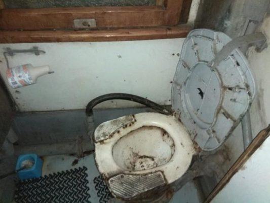 Вагон-душегуб и 14 часов ада: жуткие фото из поезда «Укрзализныци»