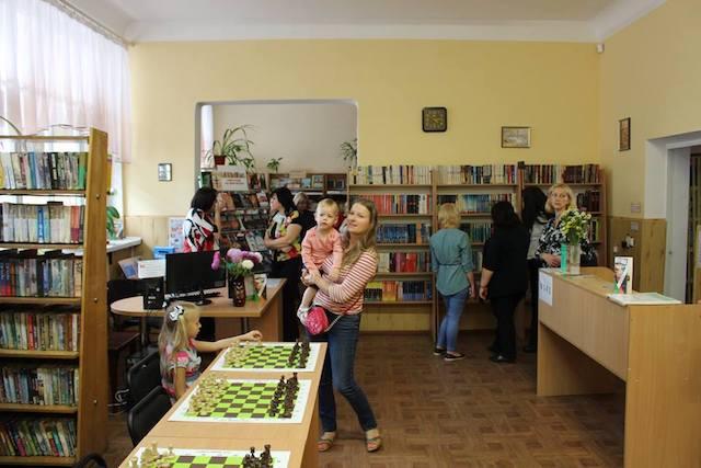 У Житомирі стартував проект «Інтелектуальна мережа» - шахові клуби у бібліотеках міста». ФОТО