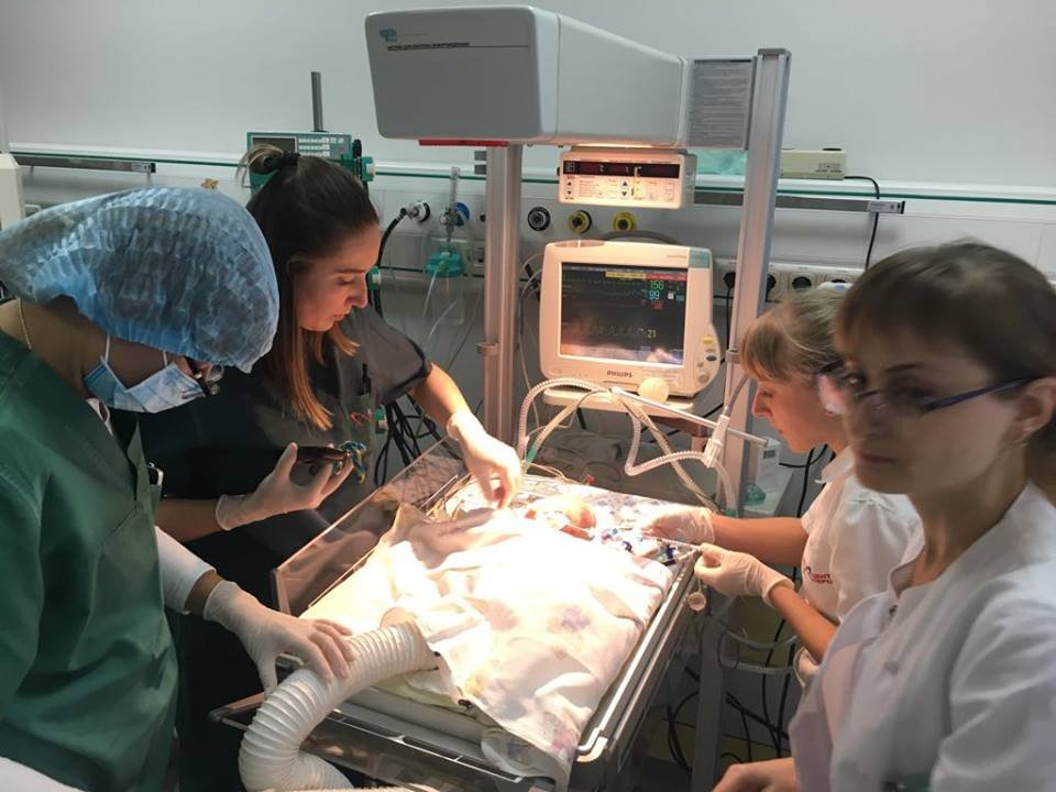 Хлопчику із Житомирської області вагою 1,4 кг зробили операцію на серці