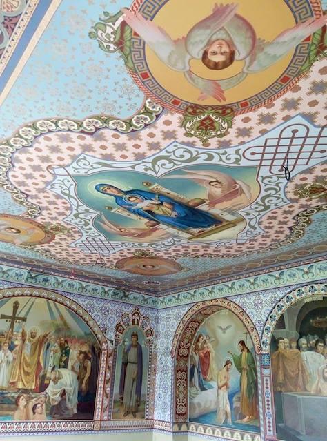 Художники з Житомирської області розписують у Києві храми. ФОТО