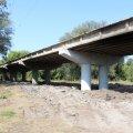 На мосту в Радомишлі влаштовують монолітну бетонну плиту основного проїзду