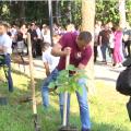 """Під час акції """"Посади своє дерево"""" у Житомирському Гідропарку висадили близько сотні дерев"""