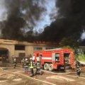 На Паперовій фабриці у Житомирі пожежники тільки за 19 годин змогли загасити пожежу. ФОТО. ВІДЕО.