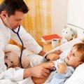 Через медреформу житомиряни не можуть викликати додому педіатра, а дітки з температурою змушені сидіти в черзі, поки їх мами бігають за талончиками