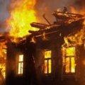В Коростишеві ліквідовано пожежу в двох будинках