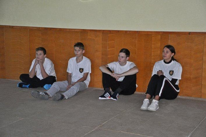 На Житомирщині юних вартових правопорядку навчали прийомам самооборони
