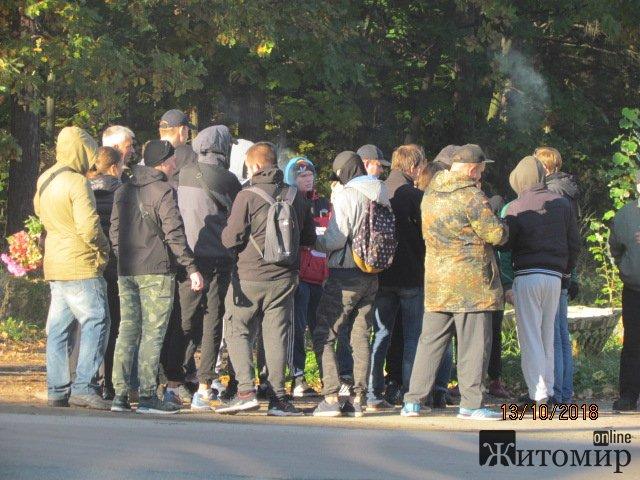 «Активісти», які перебувають під слідством, напали на підприємство в селі Довжик. ФОТО. ВІДЕО