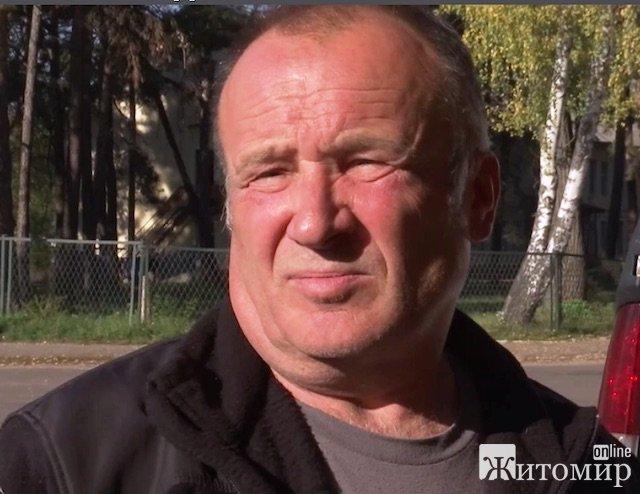 Погибший при катастрофе истребителя Су-27 Иван Петренко жил в Озерном под Житомиром. ФОТО