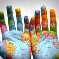 Относиться по-человечески к людям – это всегда перевешивает любые вопросы, касаемые языка, национальности и места рождения, – мнение