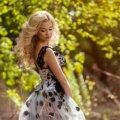 Чому так важливо, щоб жінки носили спідниці та сукні