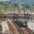 На залізничній колії у Житомирі важко травмовано 22-річного хлопчину