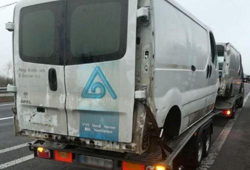 В Житомирській області виявили автомобіль Renault Master без номерів та документів
