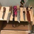 У Житомирській виправній колонії виявили замасковану схованку із ножами. ФОТО