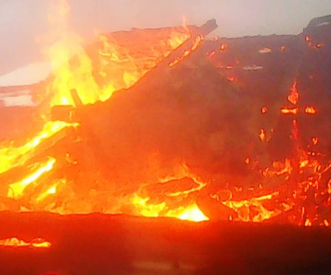 На Житомирщині трапилася пожежа, під час якої чоловік отримав опіки