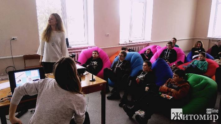26 грудня 2018 року для школярів Червоненської об'єднаної територіальної громади провели тренінгове заняття «За життя без сміття»