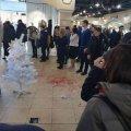 Конфликт в «Глобале» закончился поножовщиной: недовольный покупатель с ножом напал на директора магазина