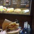 На Житомирщині заправки БРСМ продають продукти швидкого харчування, які не схожі в їхньому рекламному буклеті. ФОТО