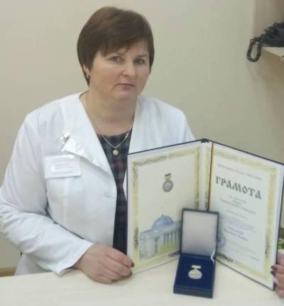 Лікарі Бердичівської ЦМЛ отримали почесні відзнаки – грамоти Верховної Ради України «За заслуги перед українським народом»
