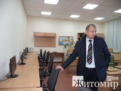 Чому не карають голову Малинської РДА Дмитра Кисельчука? АУДІО