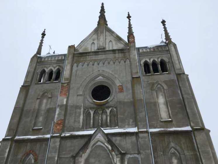 Неймовірний римо-католицький костел святого Архангела Михаїла на Житомирщині. ФОТО
