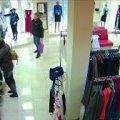 У столиці житомирянин намагався пограбувати магазин одягу