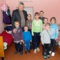 В Лугинском районе женщина бросила 11 собственных детей и отправилась к своему бойфренду в Херсон. ФОТО