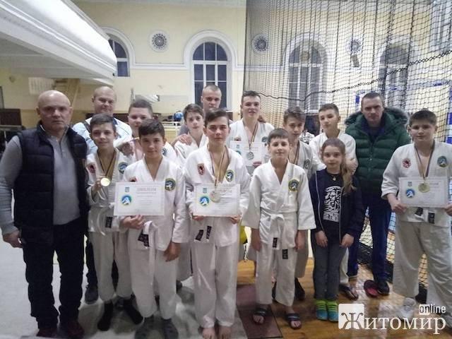 Житомиряни здобули призові місця на Чемпіонаті України з рукопашного бою серед школярів. ФОТО