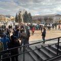 Житомирські активісти пікетують ОДА, вимагаючі зустрічі з Кропачовим