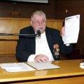 Майже 600 учасникам бойових дій, сім'ям загиблих посильну фінансову допомогу надав Віктор Развадовський. ФОТО