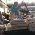"""Скільки коштує """"акційне"""" сало на Житньому ринку у Житомирі?"""