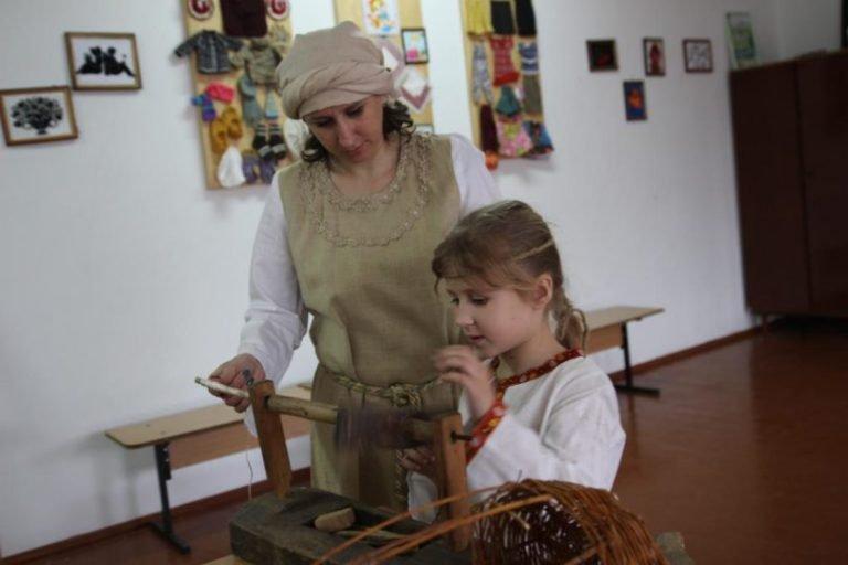 Планують встановити рекорд: Понад 400 жителів Олевська одягнуть древлянське вбрання. ФОТО