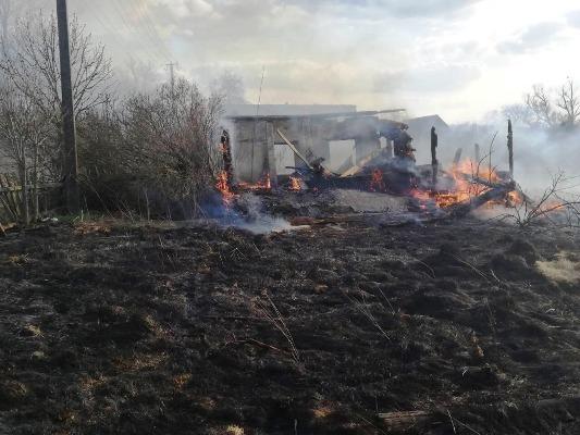 На Житомирщині згорів покинутий житловий будинок. ФОТО