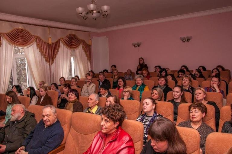 В Житомирі в музичній школі №2 імені Святослава Ріхтера відбулося відкриття виставки «Історія міста. Погляд сучасника»