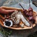 10 кулінарних звичок древніх людей, про які вчені дізналися зовсім недавно